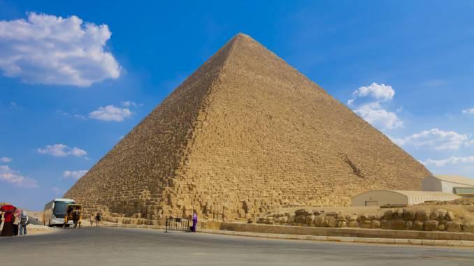 Piramida-Cheopsa.jpg