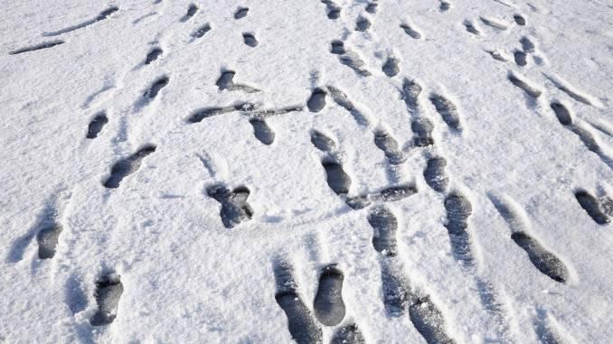 ślady-na-śniegu.jpg