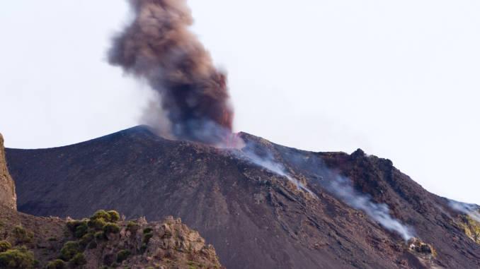 wybuch-wulkanu.jpg