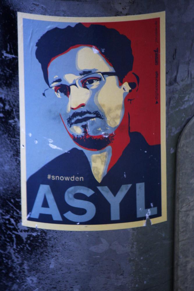 sygnał-wow-Edward Snowden.jpg