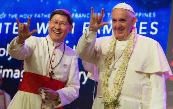 papież-franciszek-gest-szóstki.jpg