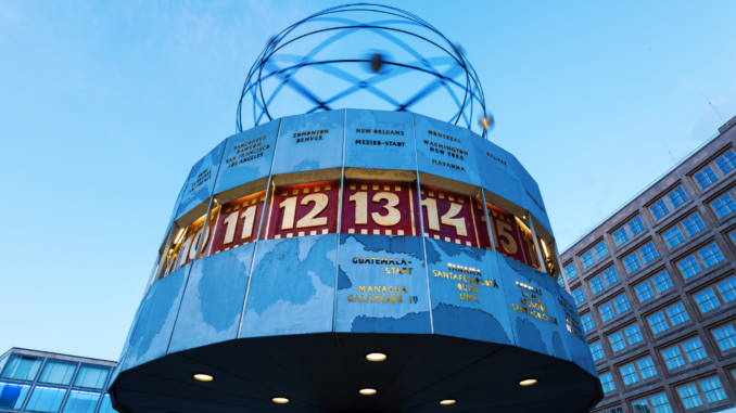 pulsary-zegar-atomowy-berlin.jpg