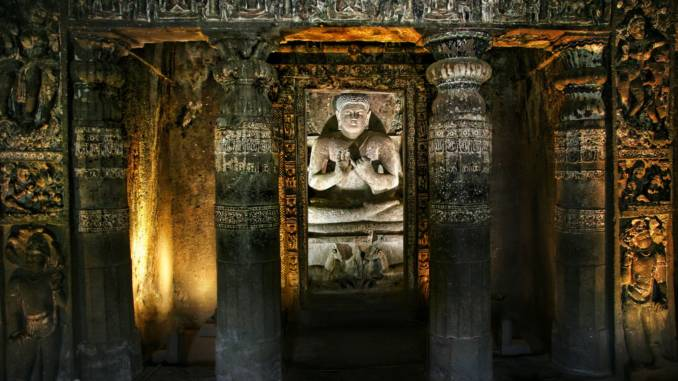Posąg-buddy-Ajanta.jpg