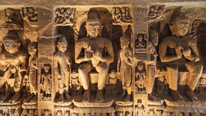 Rzeźby-w-jaskinii-Ajanta-Indie.jpg