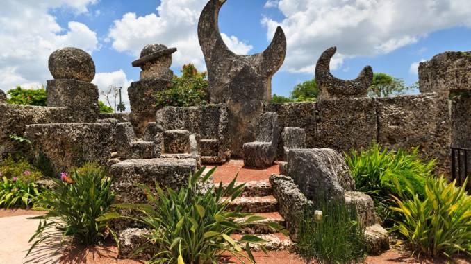 koralowy-zamek-coral-castle.jpg