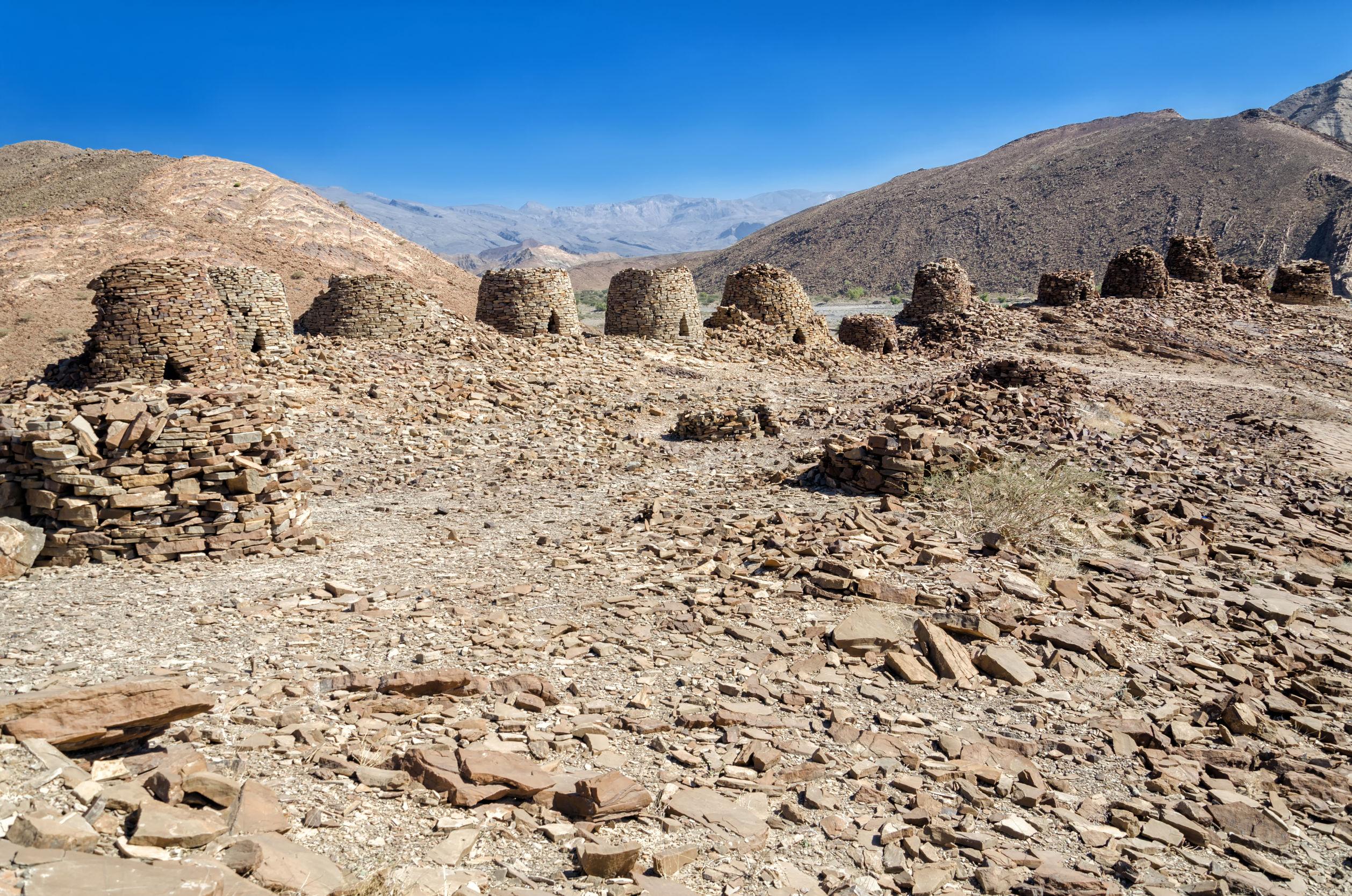 grobowce-Omanu.jpg