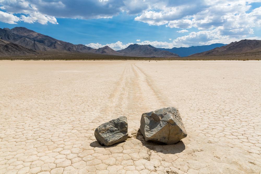 kamienie-dolina-śmierci.jpg