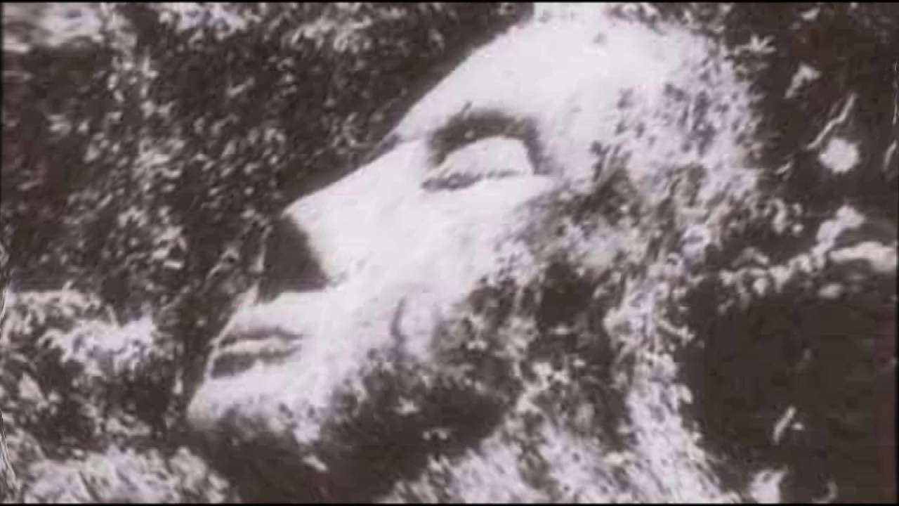 kamienna-głowa-gwatemala.jpg