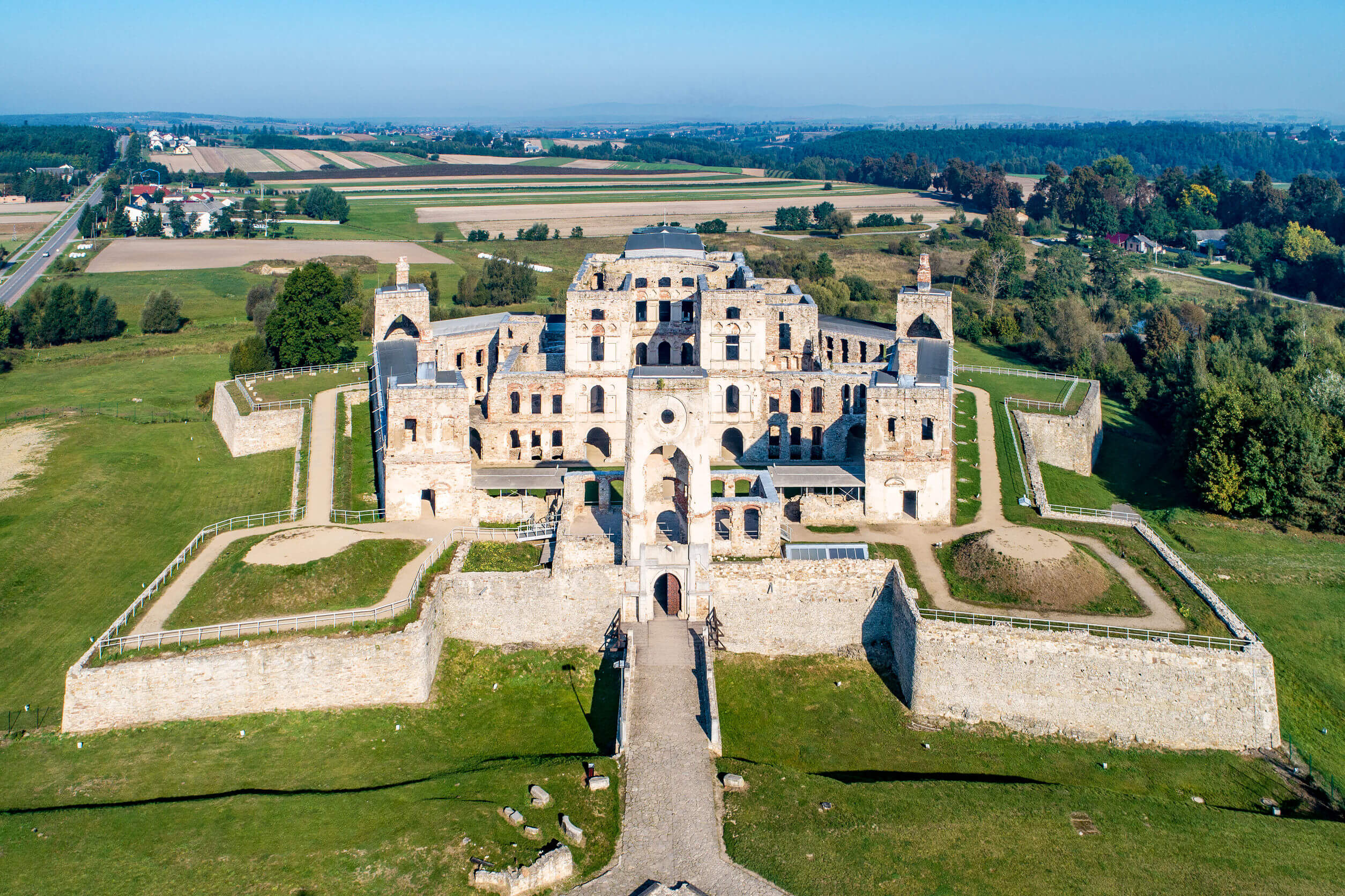 zamek-krzyżtopór.jpg