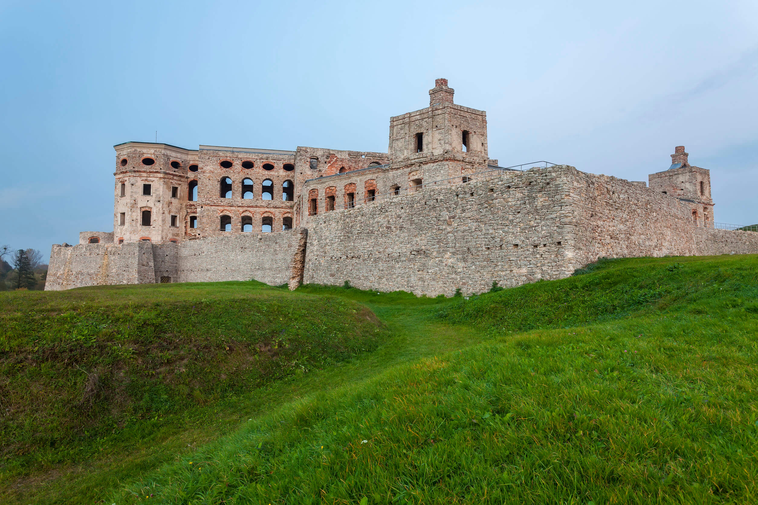 zamek-ujazd.jpg