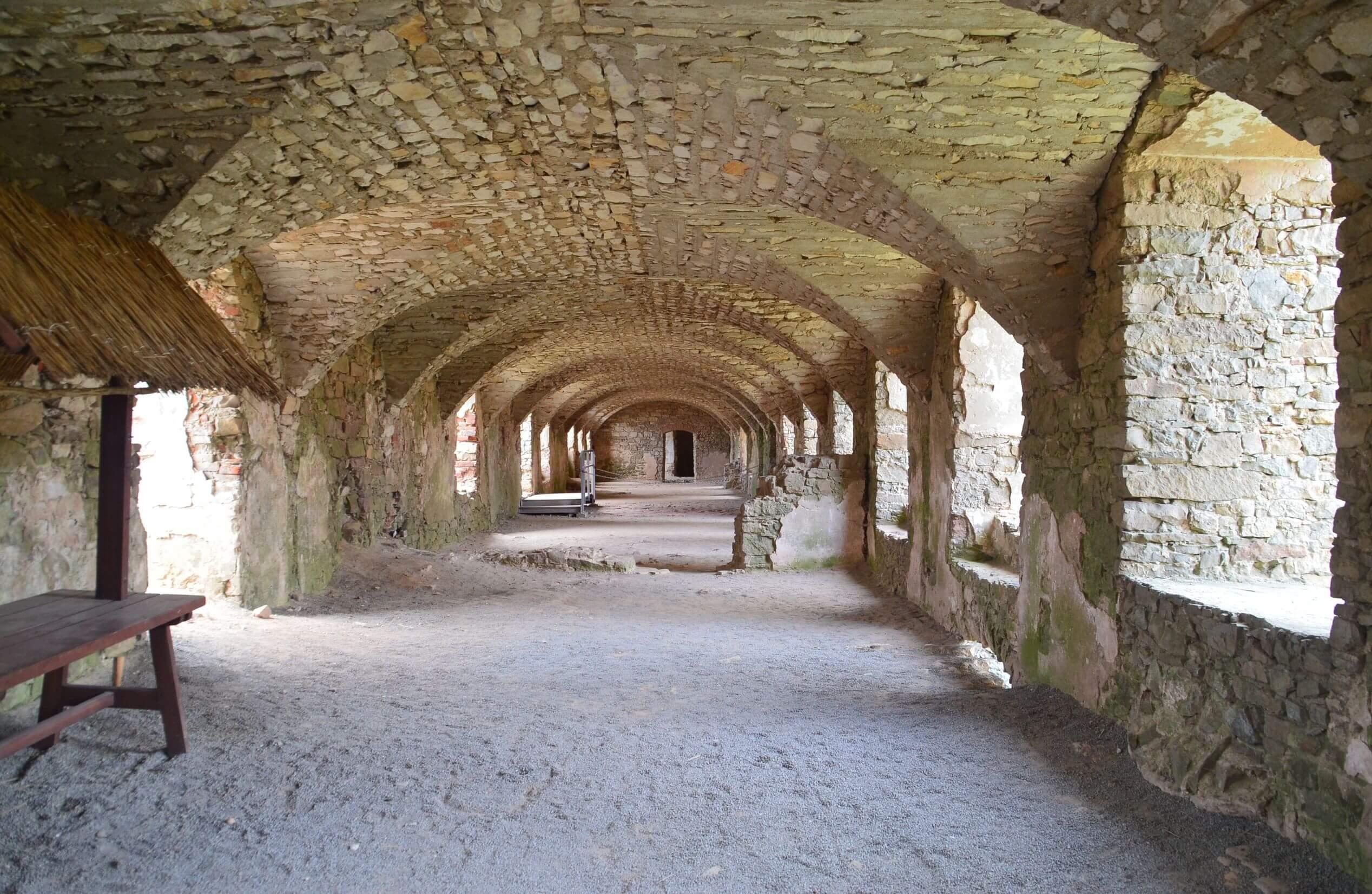 ruiny-ujazd.jpg