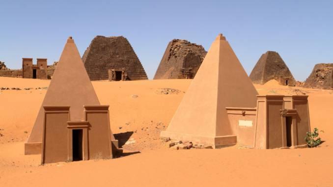 piramidy-nubijskie.jpg
