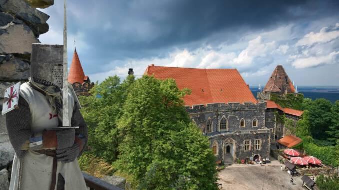 zamek-grodziec.jpg