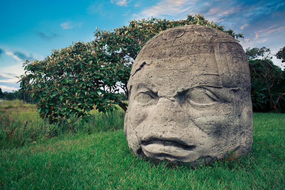 kamienne-głowy.jpg