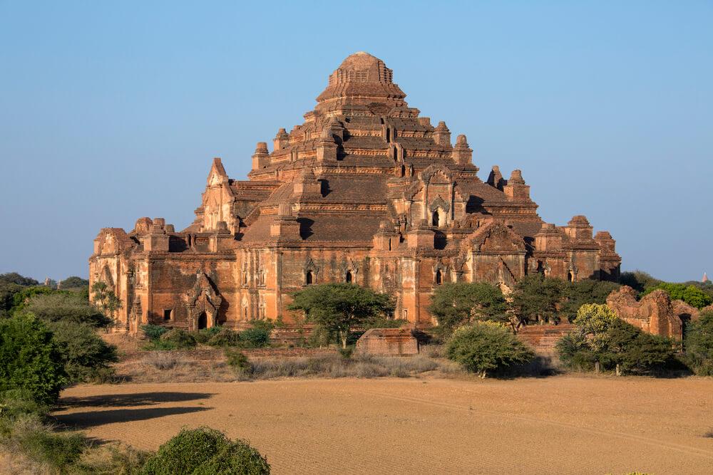 Dhammayangyi-świątynia.jpg