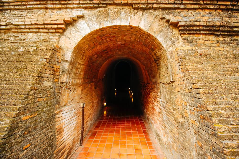 tunel-świątynia.jpg