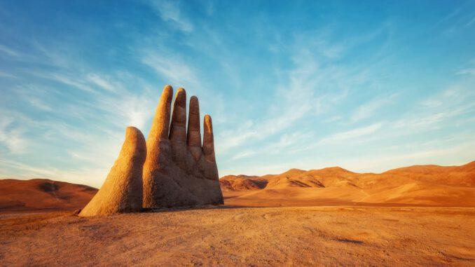 ręka-pustyni.jpg