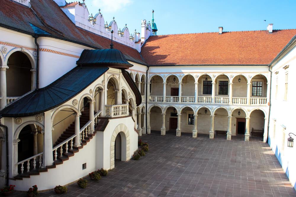 zamek-branów-sandomierski.jpg